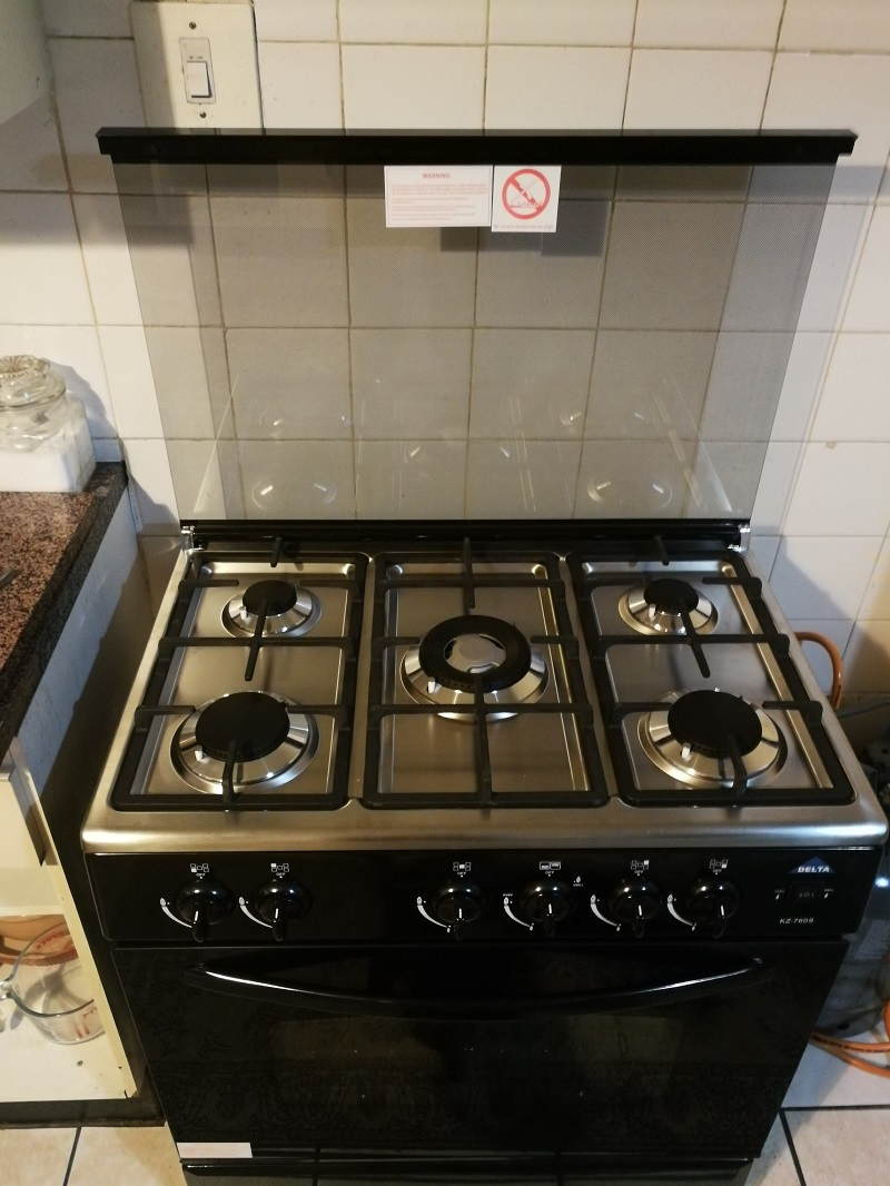 delta-5-burner-gas-stove-with-oven-code-210002