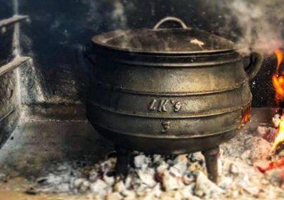 potjies-bread-pots-&-bakepots